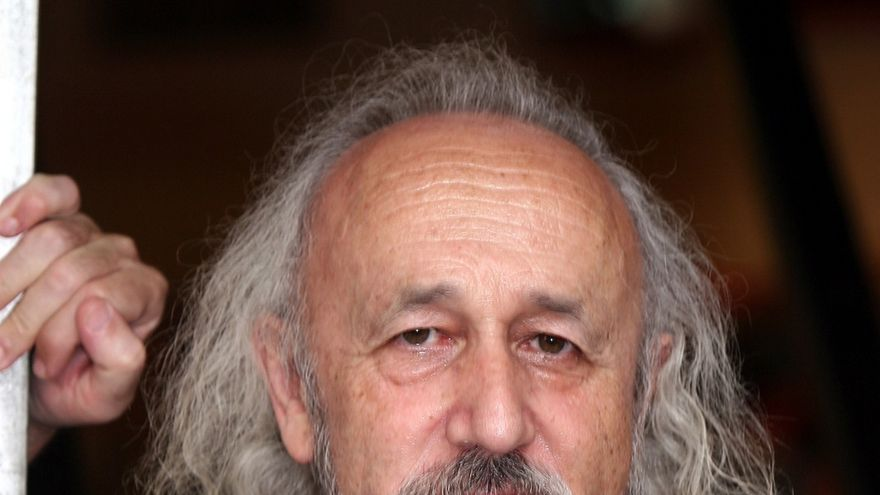 El Gobierno de Navarra concede al cineasta Montxo Armendáriz el premio Francisco de Javier 2015