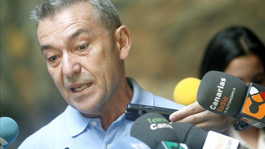 Rivero opina que Canarias no puede esperar por el Estado, que torpedea los asuntos