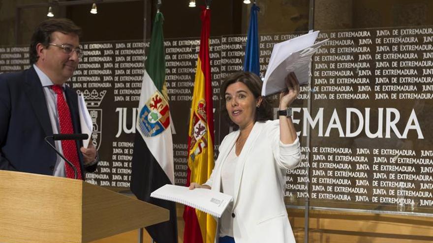 """Sáenz de Santamaría: """"La fuerza de las leyes no necesita una sobreactuación"""""""