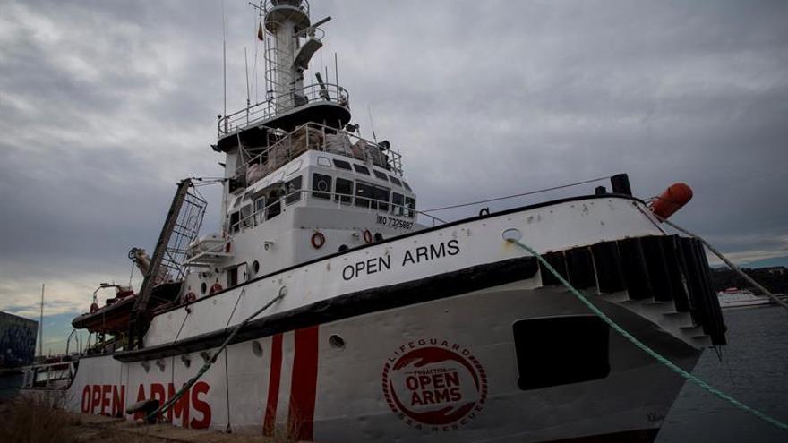 Cs y Compromís piden explicaciones a Gobierno por denegar salida de Open Arms