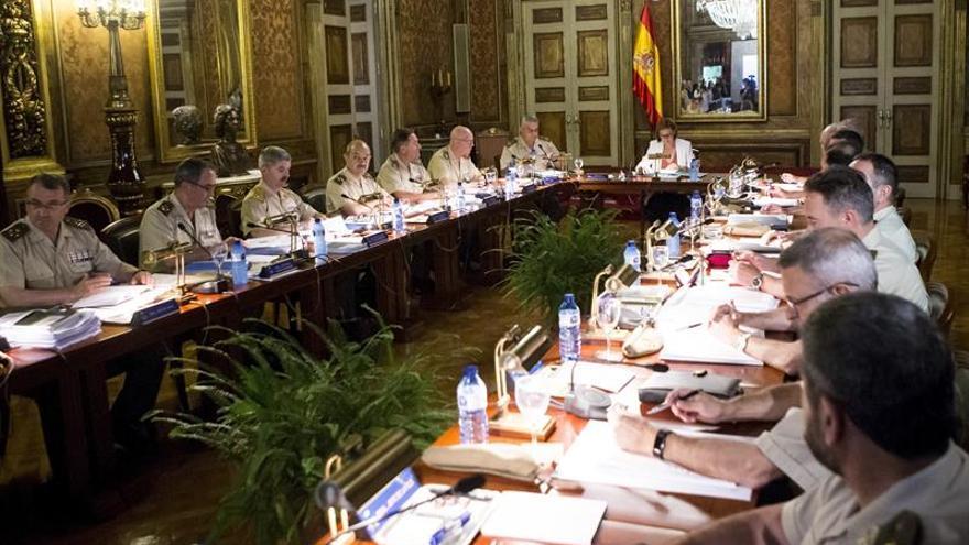 Cospedal preside en Barcelona la reunión del Consejo Superior del Ejército