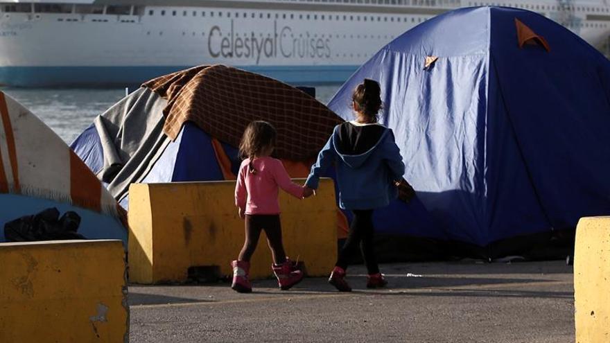 """La música, """"argamasa"""" conciliadora para los niños refugiados de Lesbos"""