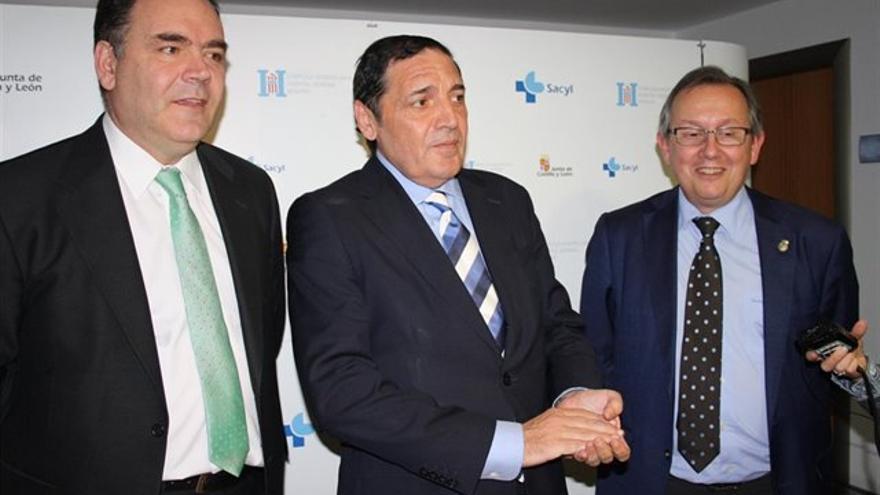 José Manuel Vicente y el exconsejero de Sanidad, Antonio Sáez Aguado.