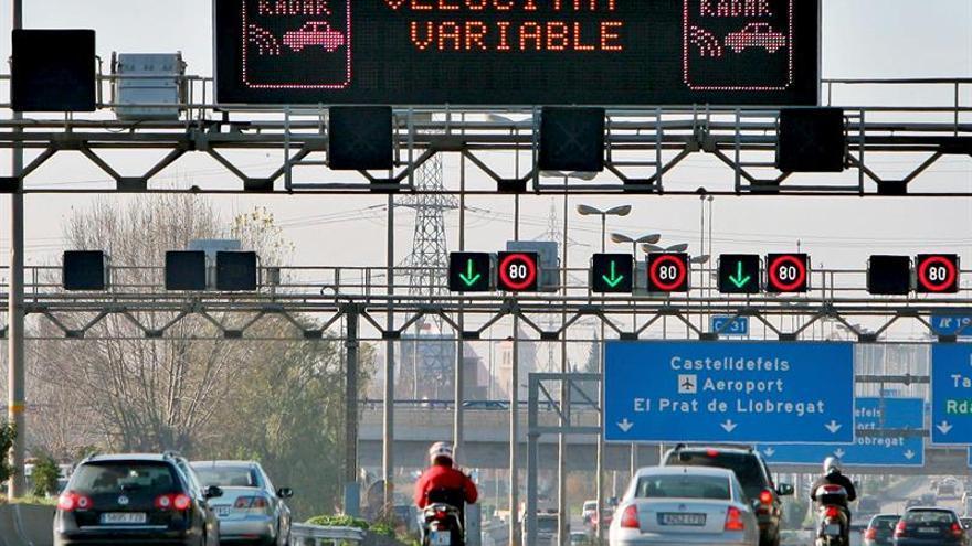 Barcelona restringirá el tráfico por contaminación a partir de diciembre