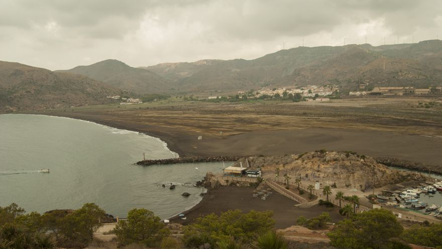 El Portus Magnus, Bahía de Portmán: un paraje natural e historico de la Región de Murcia a la espera de regeneración / Foto: Rafa López