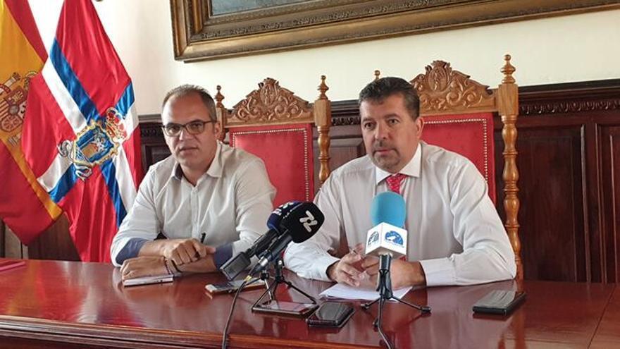 Tony Acosta y Juan José Cabrera.