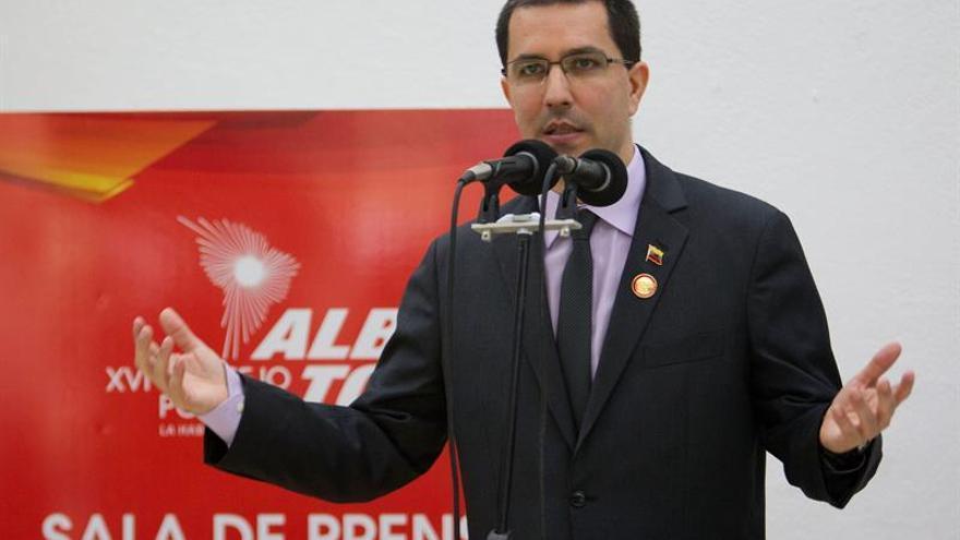 El Gobierno venezolano le pide a EE.UU. respeto a los diálogos con la oposición