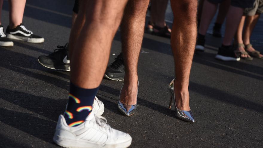 Dos participantes en la manifestación del Orgullo LGTBI en Madrid, el pasado sábado.