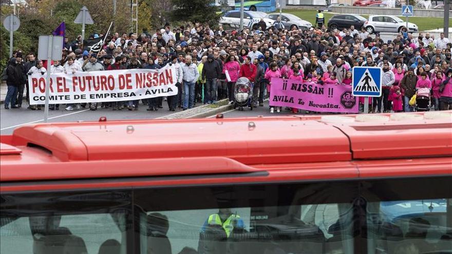 Unos 400 trabajadores de Nissan piden reunión con el Ministerio de Industria para tratar su futuro