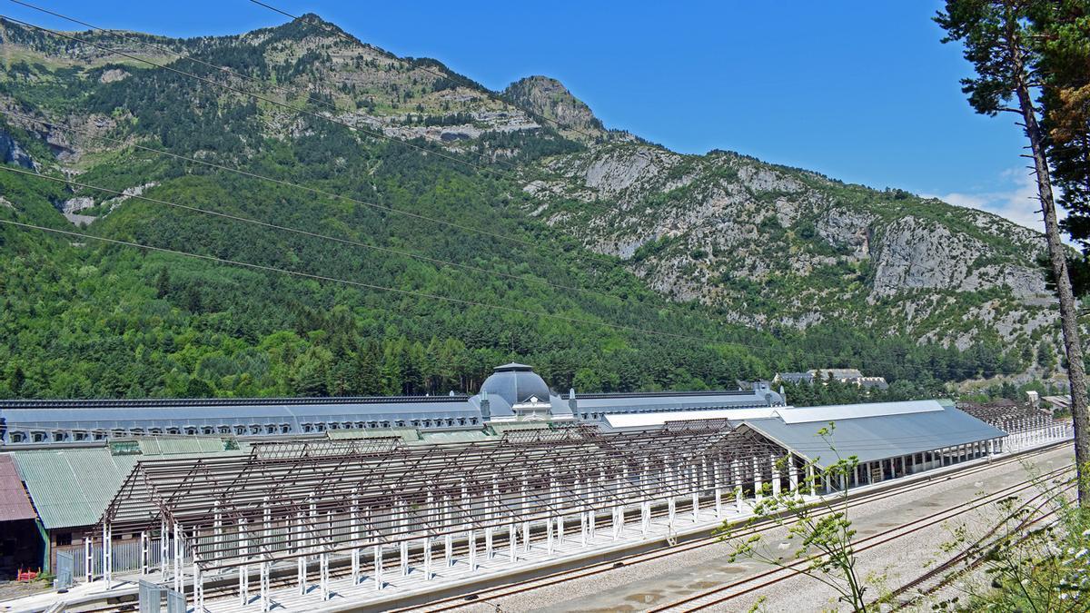 Obras de la nueva estación de Canfranc