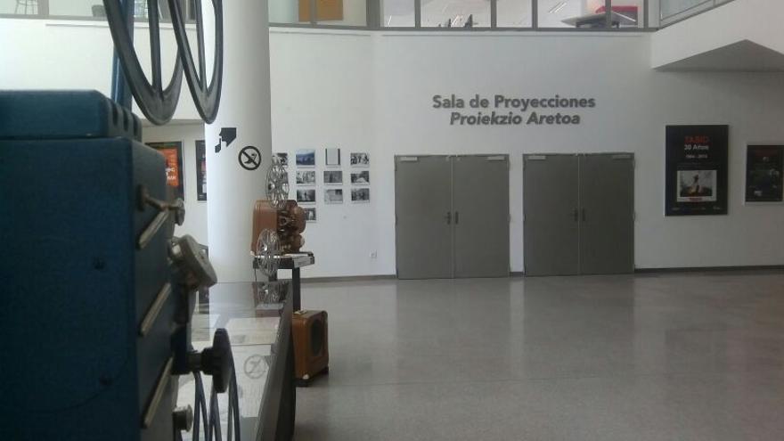 El instituto INAAC se ubica en el mismo complejo que la Filmoteca de Navarra.