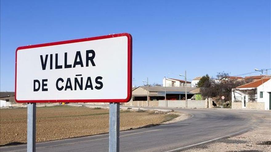 Cartel entrada a Villar de Cañas (Cuenca) / Foto: EFE