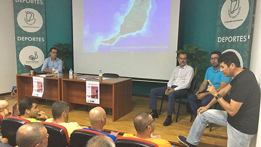 'Biosférate', un encuentro del Cabildo de Fuerteventura celebrado en el salón de actos de la Consejería de Deportes.