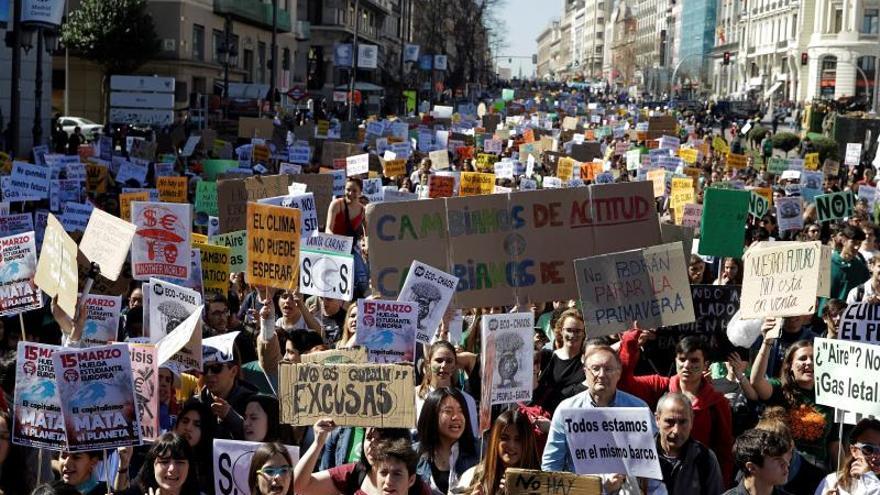 Los jóvenes calientan ya motores para la huelga climática del 27