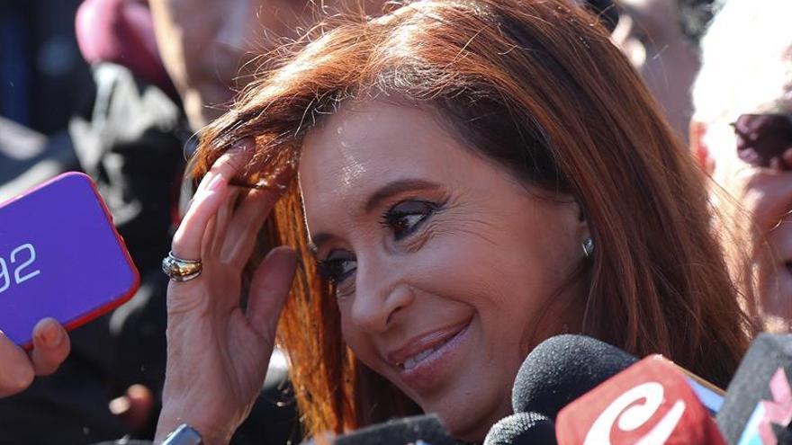 """La Justicia ordena congelar las cuentas de Cristina Fernández por la causa """"Dólar futuro"""""""