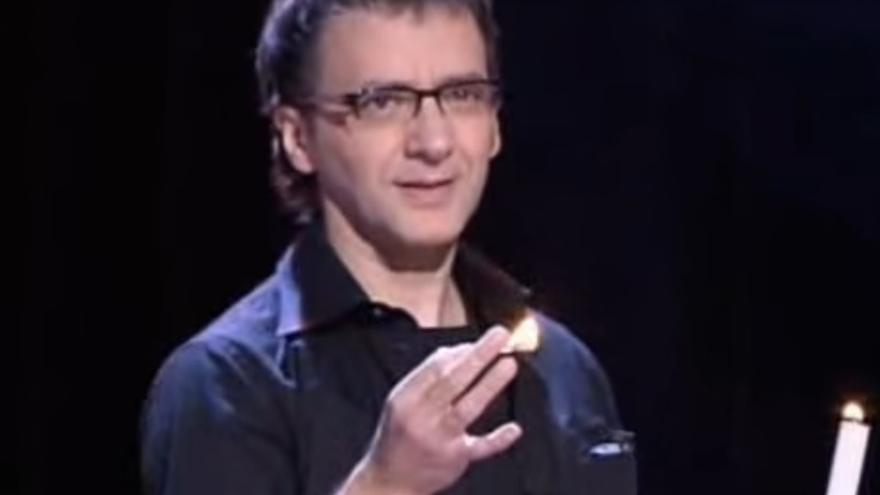 El mago Juan Mayoral en una de sus actuaciones.