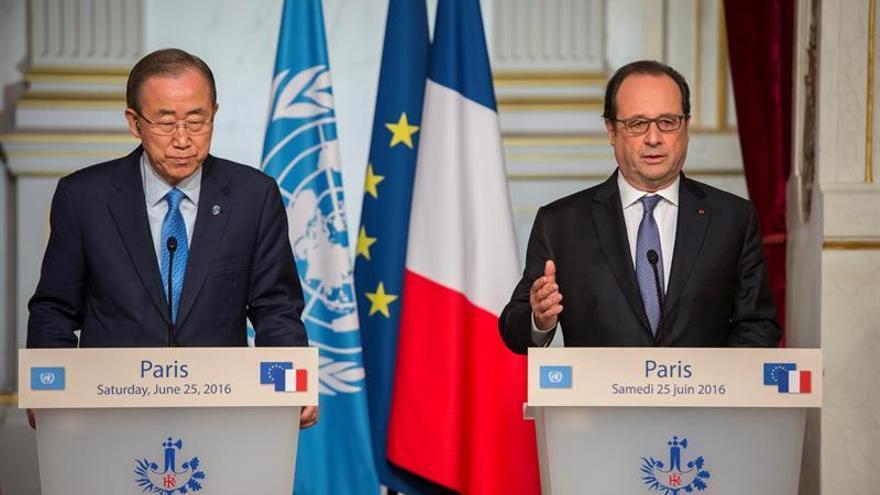 """Hollande: """"El 'brexit' es un interrogante para todo el mundo"""""""