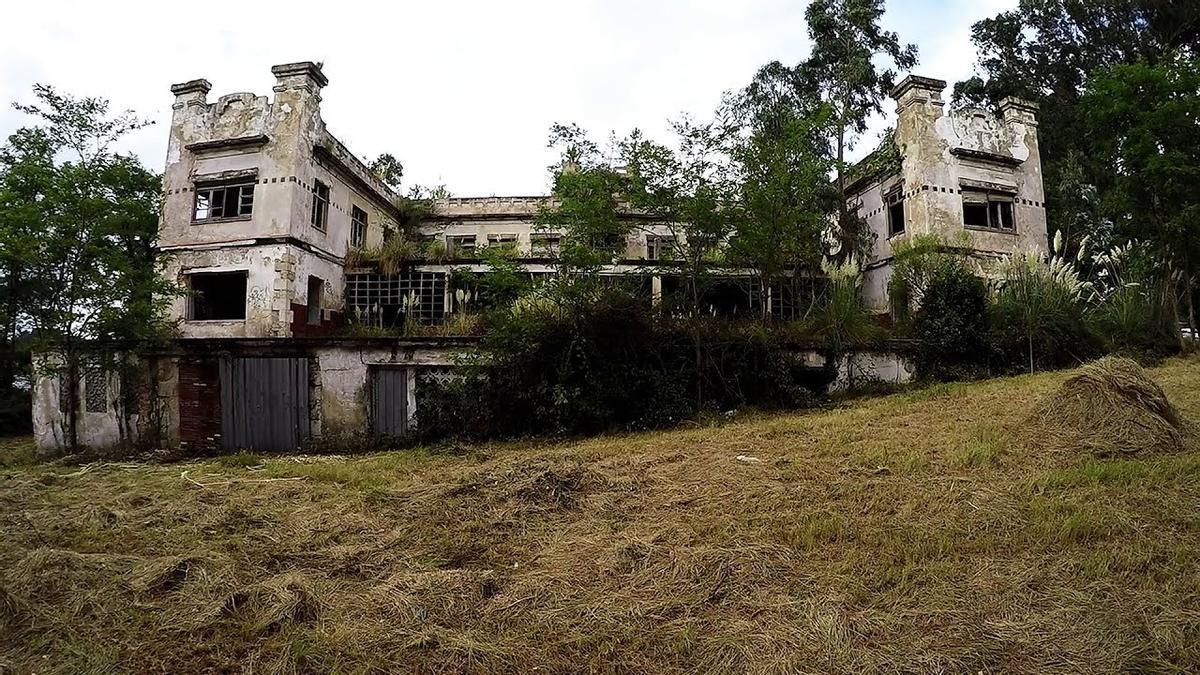 El sanatorio de Isla Pedrosa entró esta semana en la Lista Roja del Patrimonio de Cantabria.