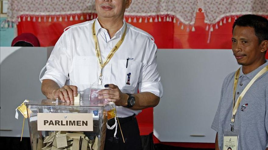 El primer ministro de Malasia vota en una jornada que discurre con normalidad