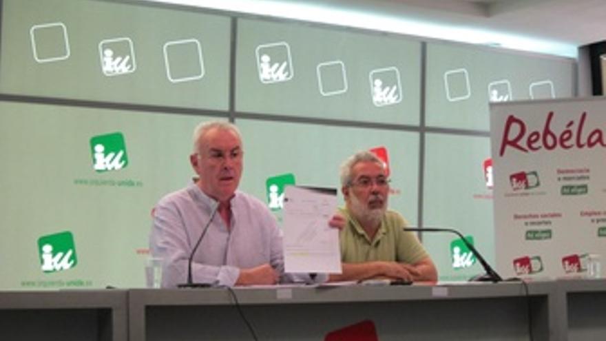 El Coordinador De IU, Cayo Lara, En Rueda De Prensa Tras La Reunión Ejecutiva