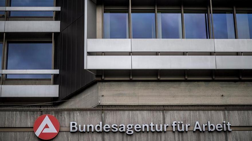 La tasa de desempleo alemana cae una décima porcentual en octubre, al 5,4 %