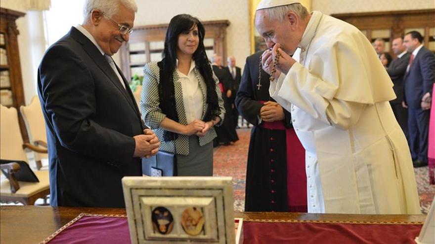 El papa y el presidente palestino comparten la necesidad de la paz con Israel