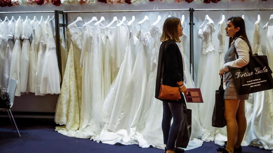 Trajes de novia en una edición del Salón 1001 Bodas.