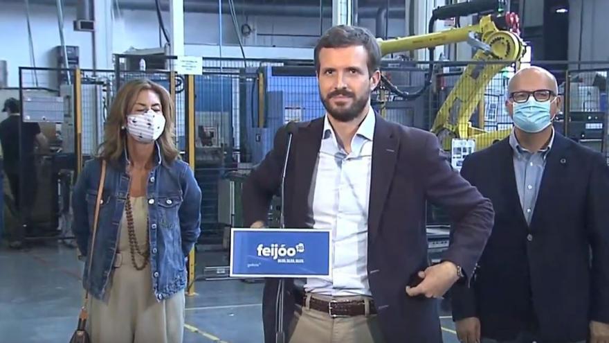 De izquierda a derecha, la candidata del PP al congreso Marisol Díaz, el presidente del partido Pablo Casado y el de la Deputación de Ourense, Manuel Baltar.