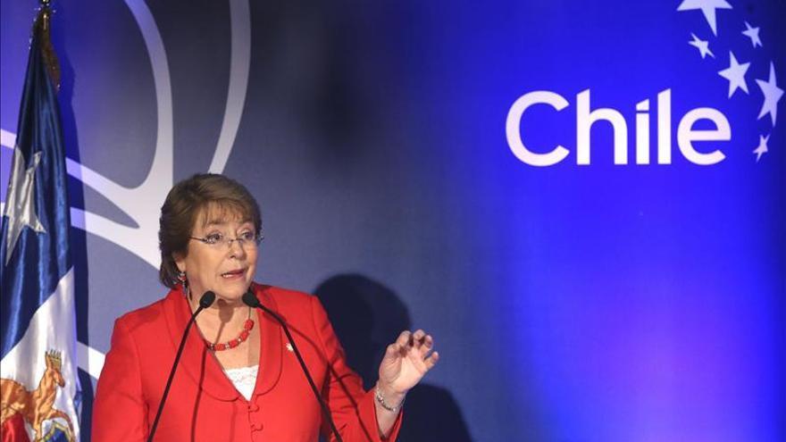 Bachelet descarta el clima antiempresarial en Chile tras las críticas a sus reformas