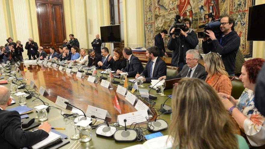 Extremadura apoya la prohibición de la venta a pérdidas y llama al sector a unirse en cooperativas más grandes