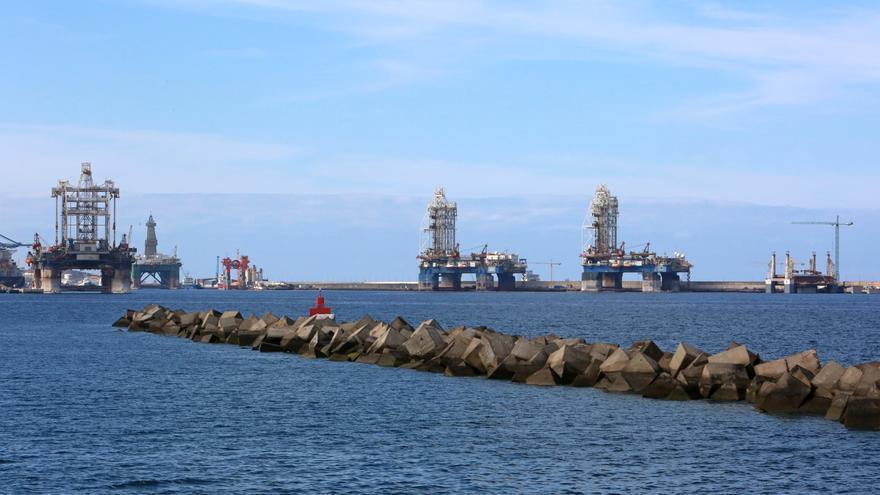 Plataformas petrolíferas en el Puerto de La Luz y de Las Palmas