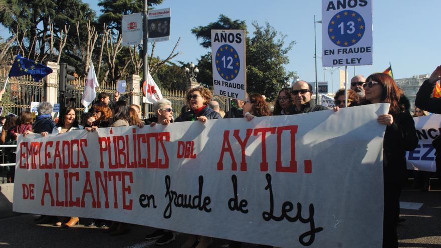 Trabajadores públicos de Alicante se manifiestan este sábado en Cibeles.
