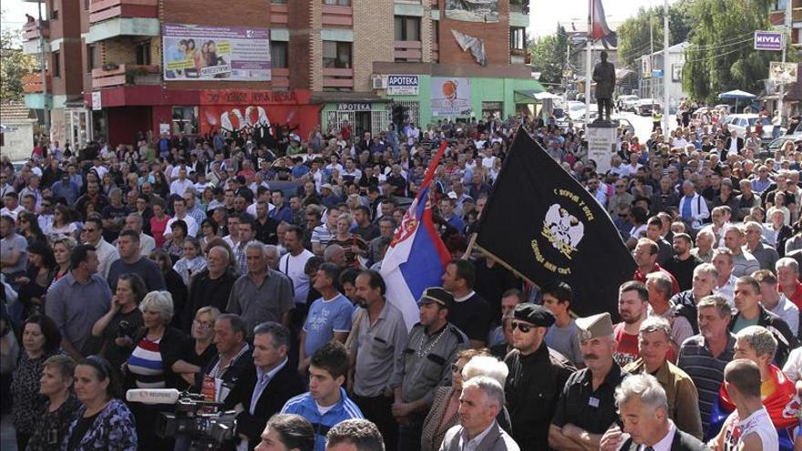 Pristina acusa a Belgrado de estar tras la violencia en municipales kosovares