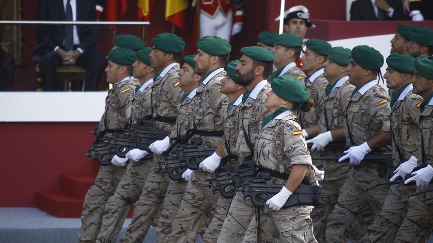 """IU también pide suprimir el desfile militar del 12 de octubre: 800.000 euros es un gasto """"desproporcionado"""""""