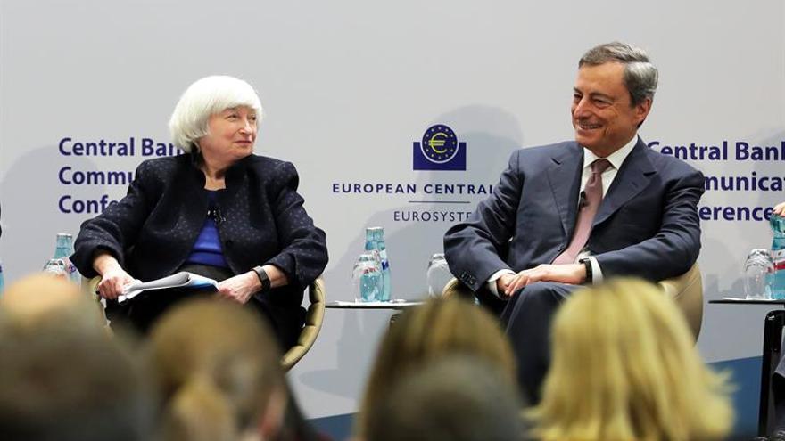 Draghi dice que la política de orientación monetaria del BCE ha sido un éxito