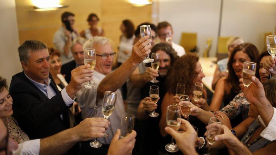 El alcalde de València, Joan Ribó, celebra el nombramiento de València como capital del mundial del diseño