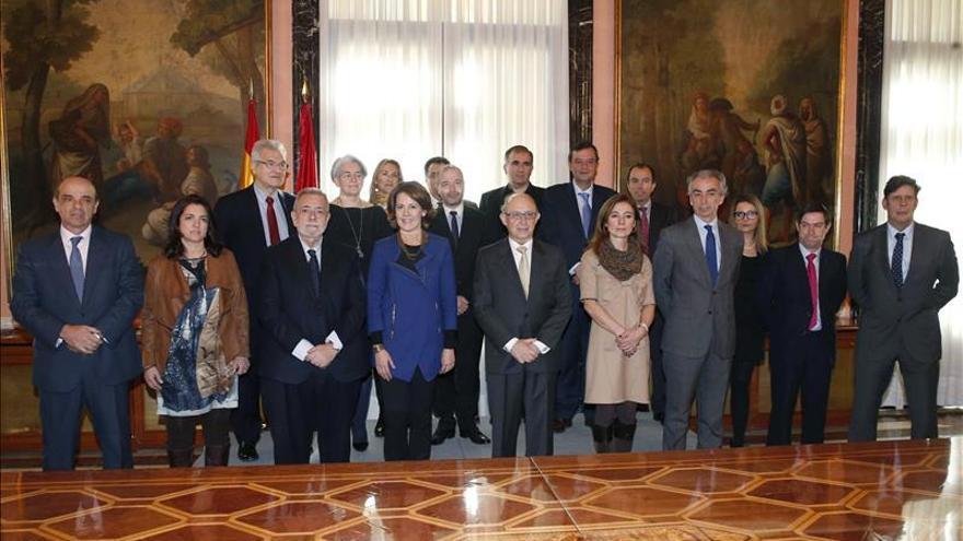 El Gobierno y Navarra ratifican la potestad tributaria de la comunidad foral
