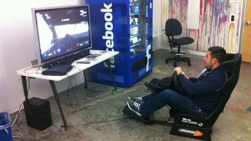 Javier Marcos trabaja en el equipo de seguridad de Facebook