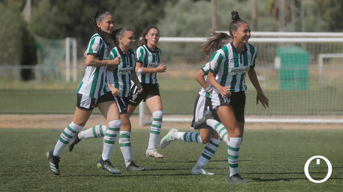 Jugadoras del Córdoba Femenino celebrando un gol