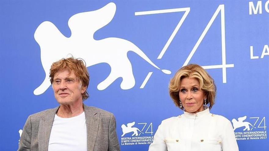 Redford y Fonda reinan en Venecia con su oda al amor maduro