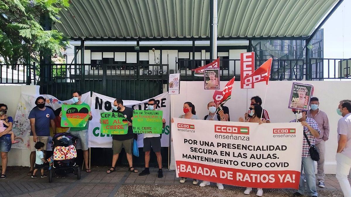Protesta de CCOO por el recorte de aulas.