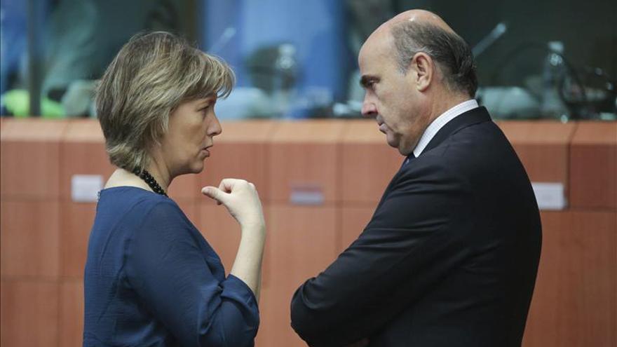 """Guindos pide """"no adelantarse"""" por las posibles reclamaciones de los inversores de Bankia"""