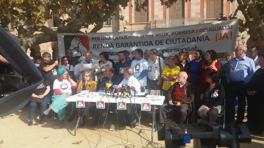 Acte de tots els grups polítics i socials que donen suport a la Renda Garantida de Ciutadania