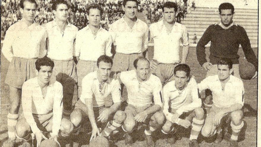 Formación del CD Tenerife de la temporada 56/57.