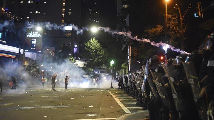 La Policía de Charlotte avisa de una nueva estrategia para evitar los disturbios