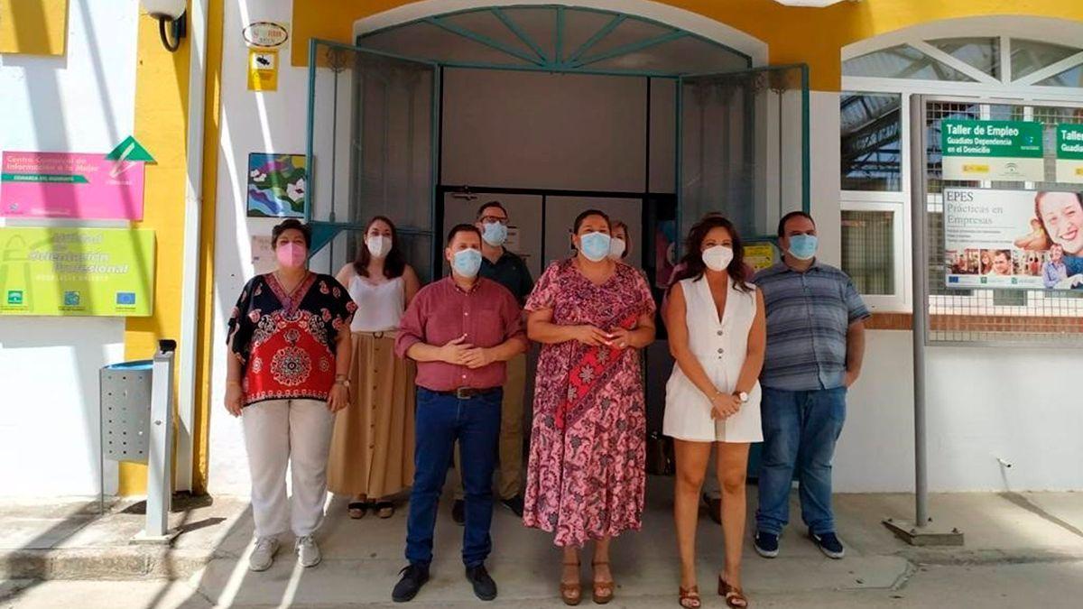 Dolores Amo con representantes de la mancomunidad del Guadiato.