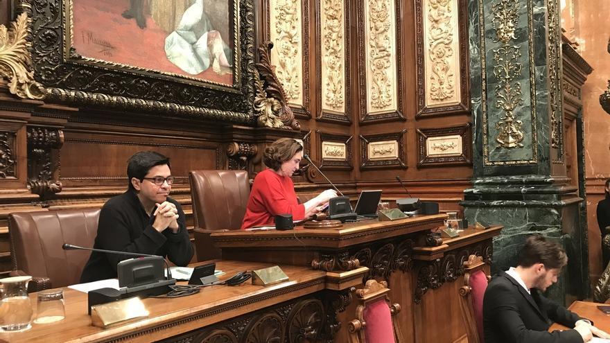 El Ayuntamiento de Barcelona recurre la disolución del DiplocatAda Colau estudia reactivar la consulta sobre la municipalización del agua alegando un error en su rechazo