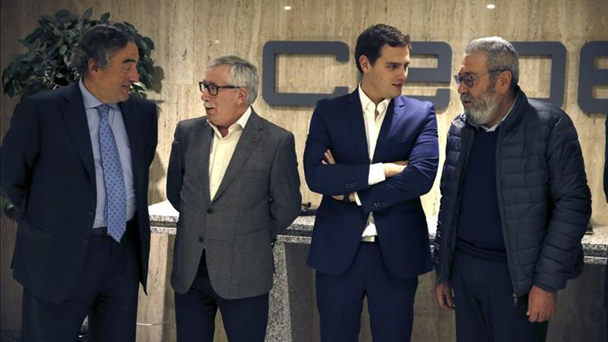 Rivera dice que si gobierna no dejará al margen a los agentes socialesSE REÚNEN CON ALBERT RIVERA