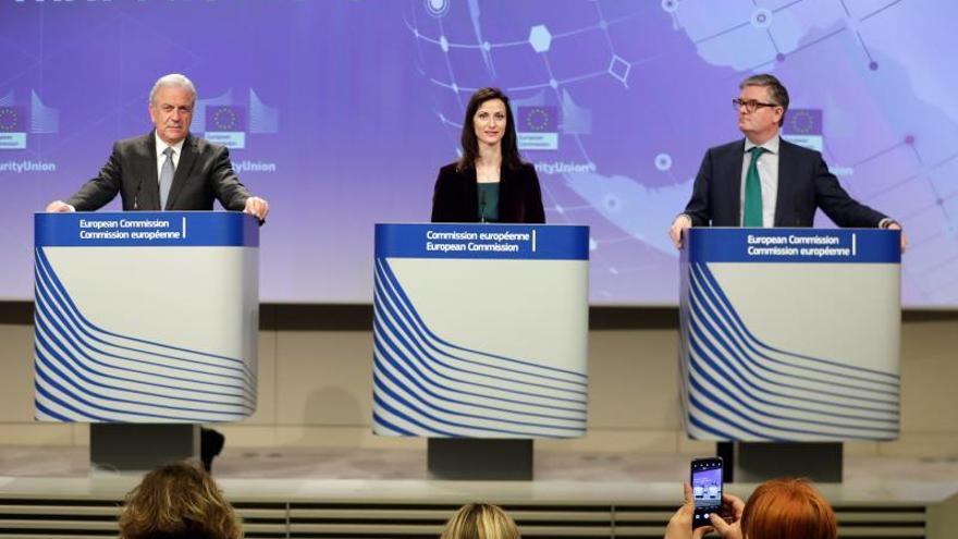 Bruselas culpa al PE de demorar la retirada de contenidos terroristas online