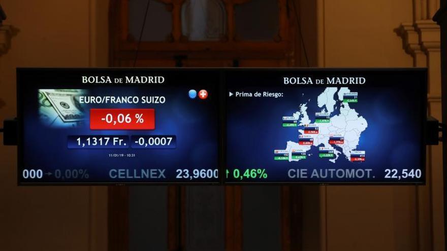 La prima de riesgo española abre en 122 puntos por el alza del bono nacional